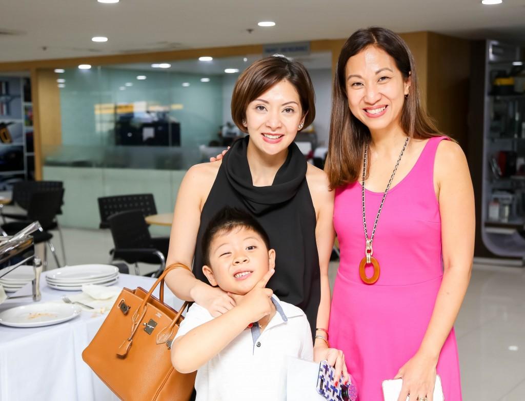 Blogger Cat Arambulo, her son, and Mommy Mundo Founder Janice Villanueva