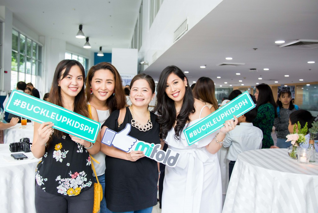 Paola with mommy bloggers Chessy Alejandro, Cai Sio, and Kay Catral