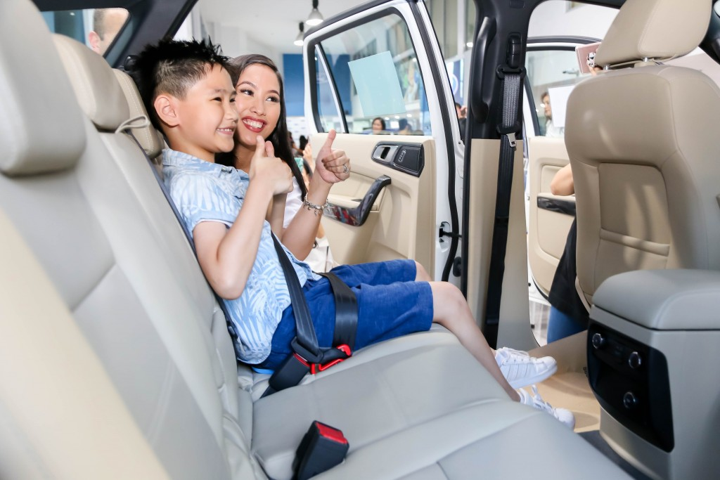 Paola demonstrated how easy it to use the mifold with BuckleUpKidsPH car safety ambassador Riley Catral