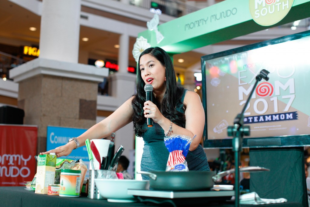 Paola Loot Bronfman, founder of Mommy Treats, gave a cooking demonstration on easy to make healthy snacks.