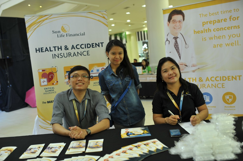 Our friends from Sun Life were on hand to assist our moms and dads on how to ensure a better future for their families.