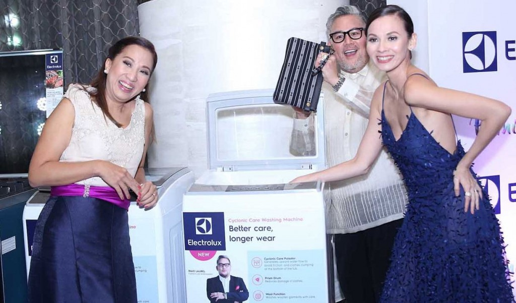 The FashionCare Council inspects the newly launched Electrolux Cyclonic Care Top Load Washing Machine.