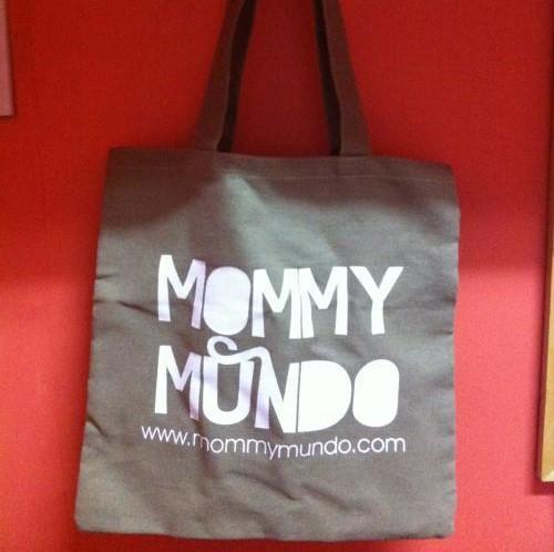 Mommy Mundo tote bag