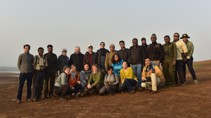 The group of students, instructors, and naturalists.