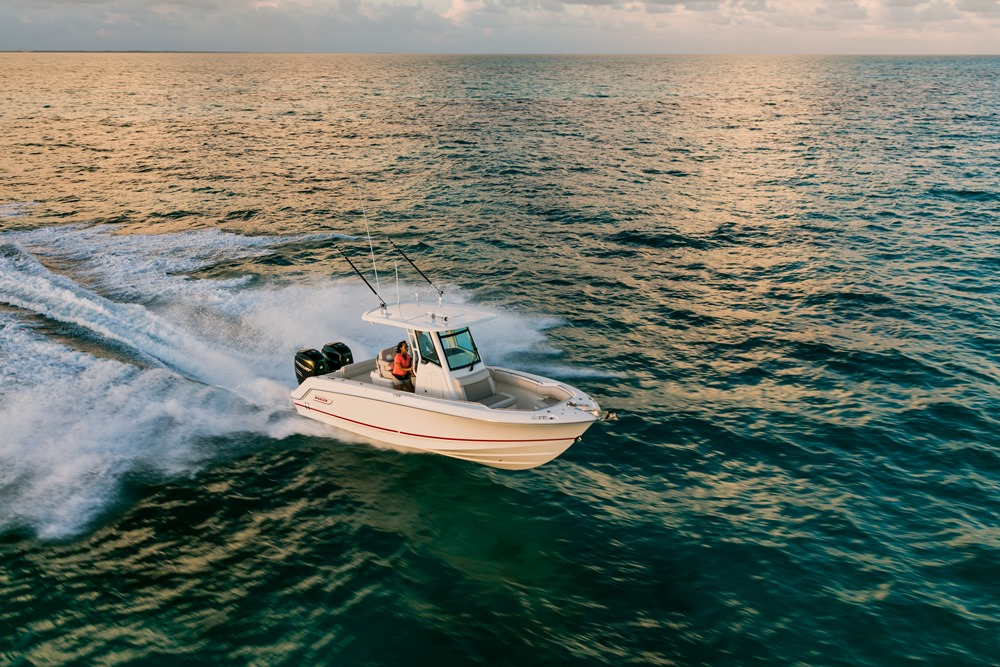 Boston-Whaler-250-Outrage-Gallery-8.jpg