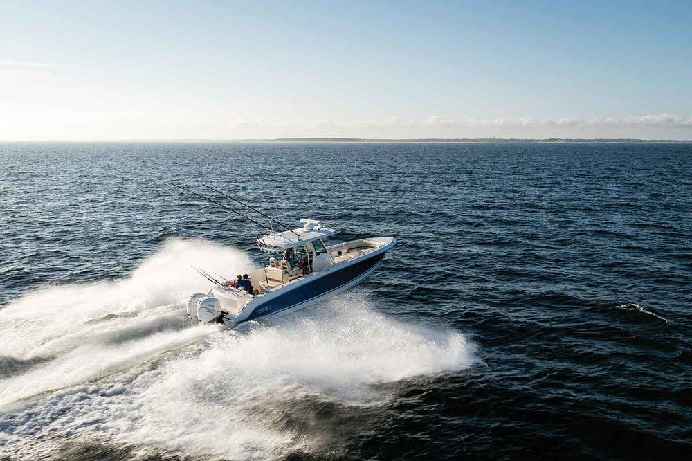 Boston-Whaler-330-Outrage-Gallery-9.jpg