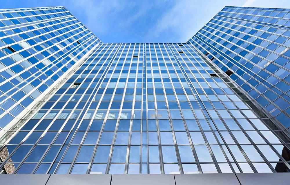 Bürogebäude-Glasfassade-in-Hamburg-Jens-Hannewald_4318.jpg