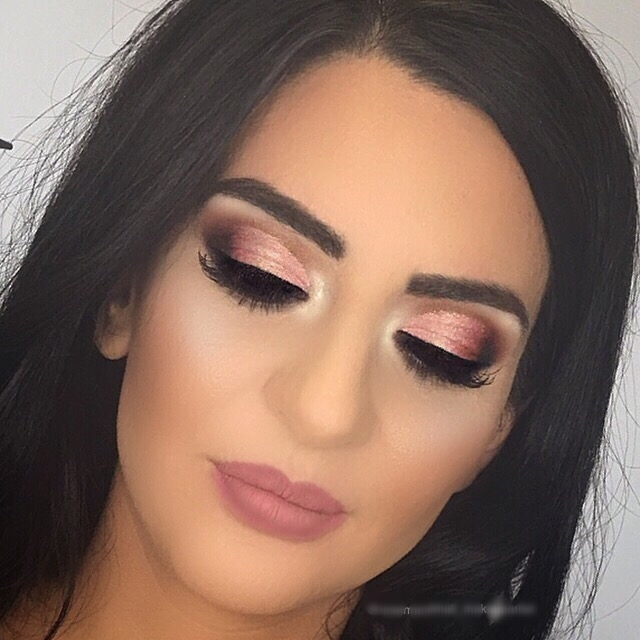 copper eye with pink lips