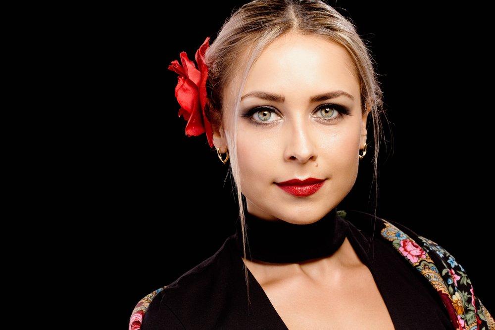 Flamenco dancer edited.jpg