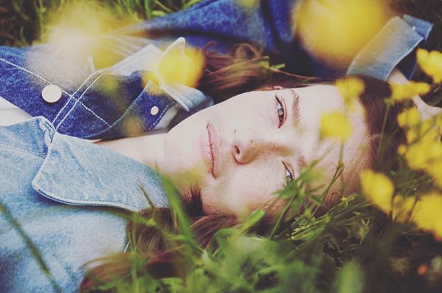 💛💛💛💛💛💛💛💛💛💛💛💛💛💛Ah this girl!!!! Beautiful @jordanmcmahon_ lounging in the park in Caine London!  Photos by the super talented @sarahcresswellphoto Makeup @charlottekraftmanmakeup  #inspo #LoveInCaine #CaineLondon #Denim #elitegirlsdoitbetter @bellabambi 💋