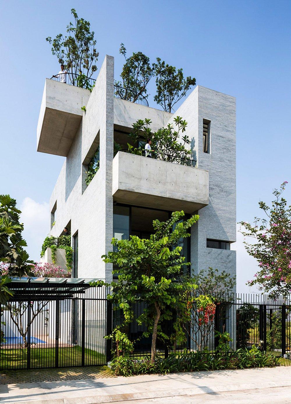 binh-house-vo-trong-nghia-architects-residential-vietnam_dezeen_2364_col_1-e1492108475754-1704x2364.jpg