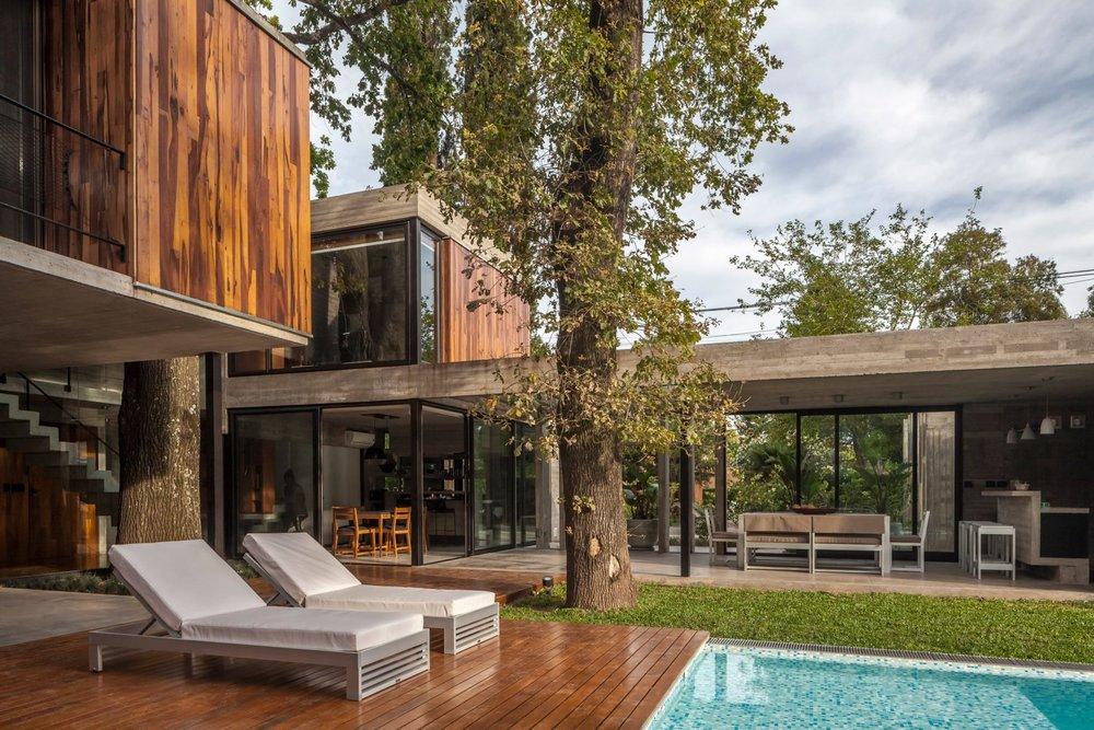 casa-aranzazu-besonias-almeida-arquitectos-architecture-residential-buenos-aires-argentina_dezeen_2364_col_25-1704x1136.jpg