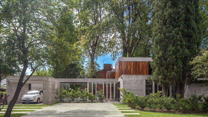 casa-aranzazu-besonias-almeida-arquitectos-architecture-residential-buenos-aires-argentina_dezeen_2364_hero-852x479.jpg