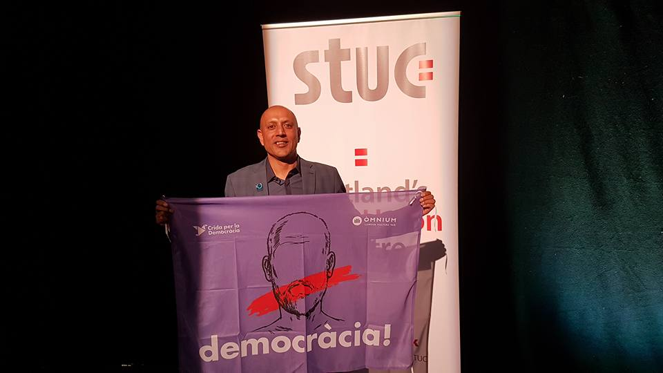 STUC president Satnam Ner shows his support for democracy in Catalonia