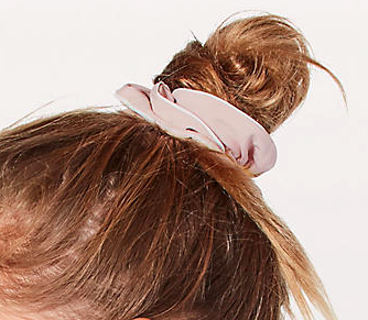 LIGHT LOCKS SCRUNCHIE - The 90's staple hair accessory has made its way back into the fashion scene & I couldn't be happier!