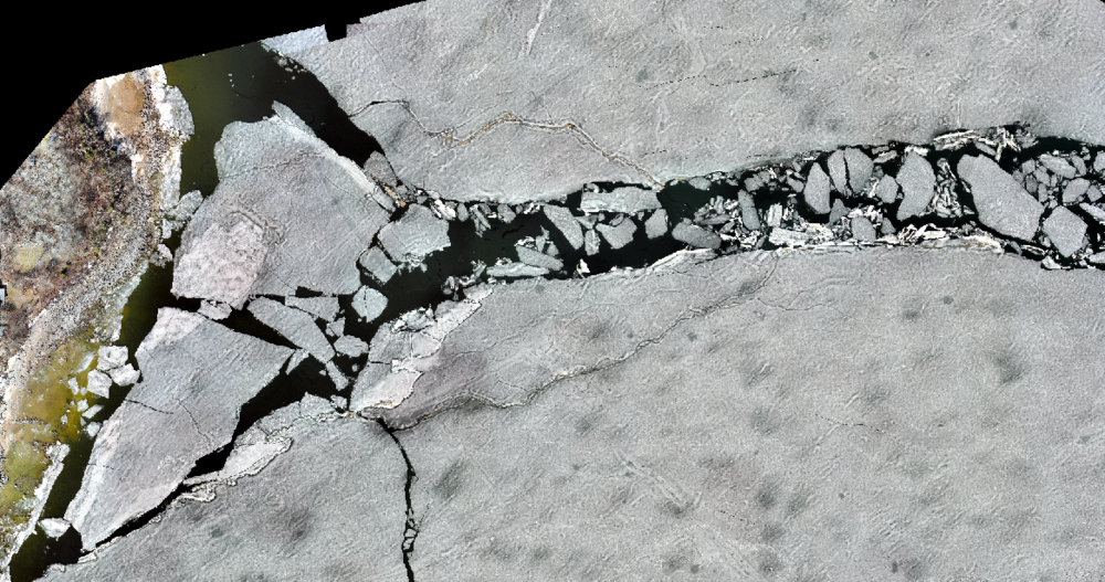 May 5, 2018 - Ridge sails afloat along ridge axis after collapse and lead size increases. Accelerated Melt Period 2 days before break-up.