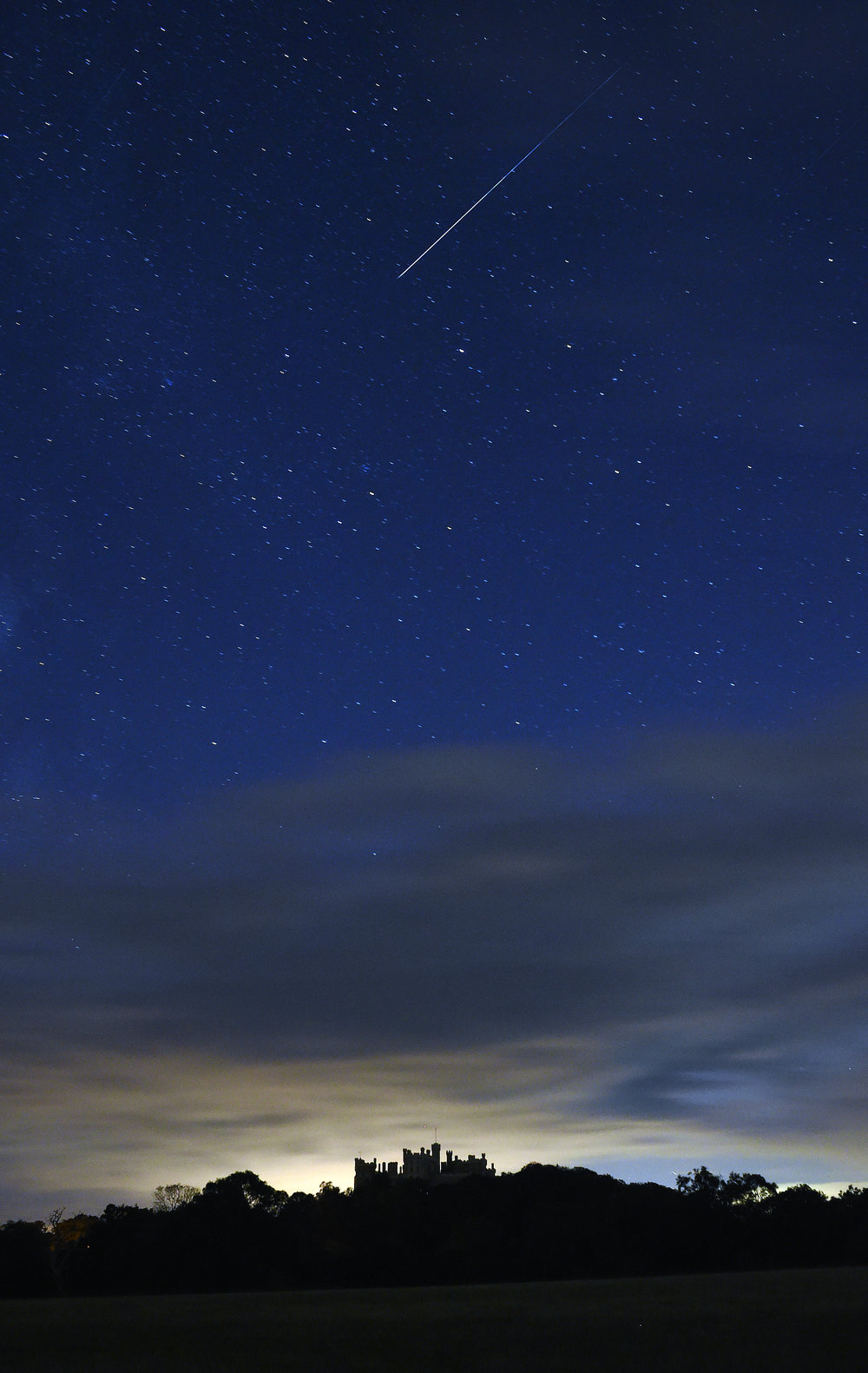 Belvoir with comet.jpg