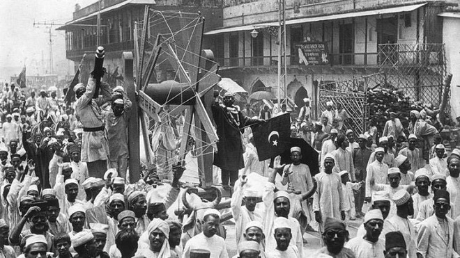 A procession promoting the Swadeshi Movement in New Delhi, July 1922. Photo:    learn.culturalindia.net
