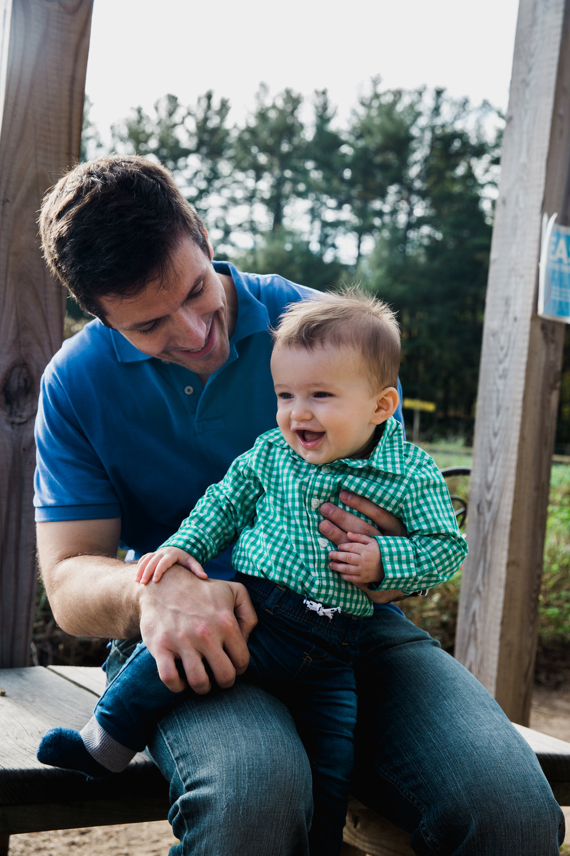 Joy Uyeno Greater Boston family photographer baby boy and dad at Drumlin Farms
