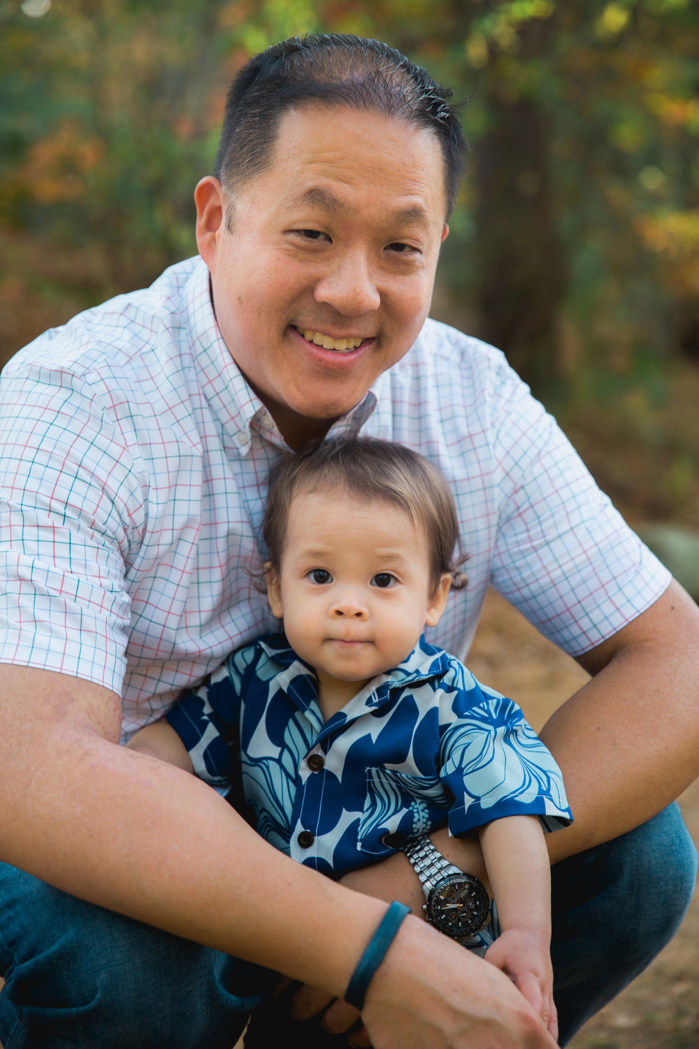 Greater Boston family photographer Joy Uyeno Sudbury father and toddler son on a warm fall day
