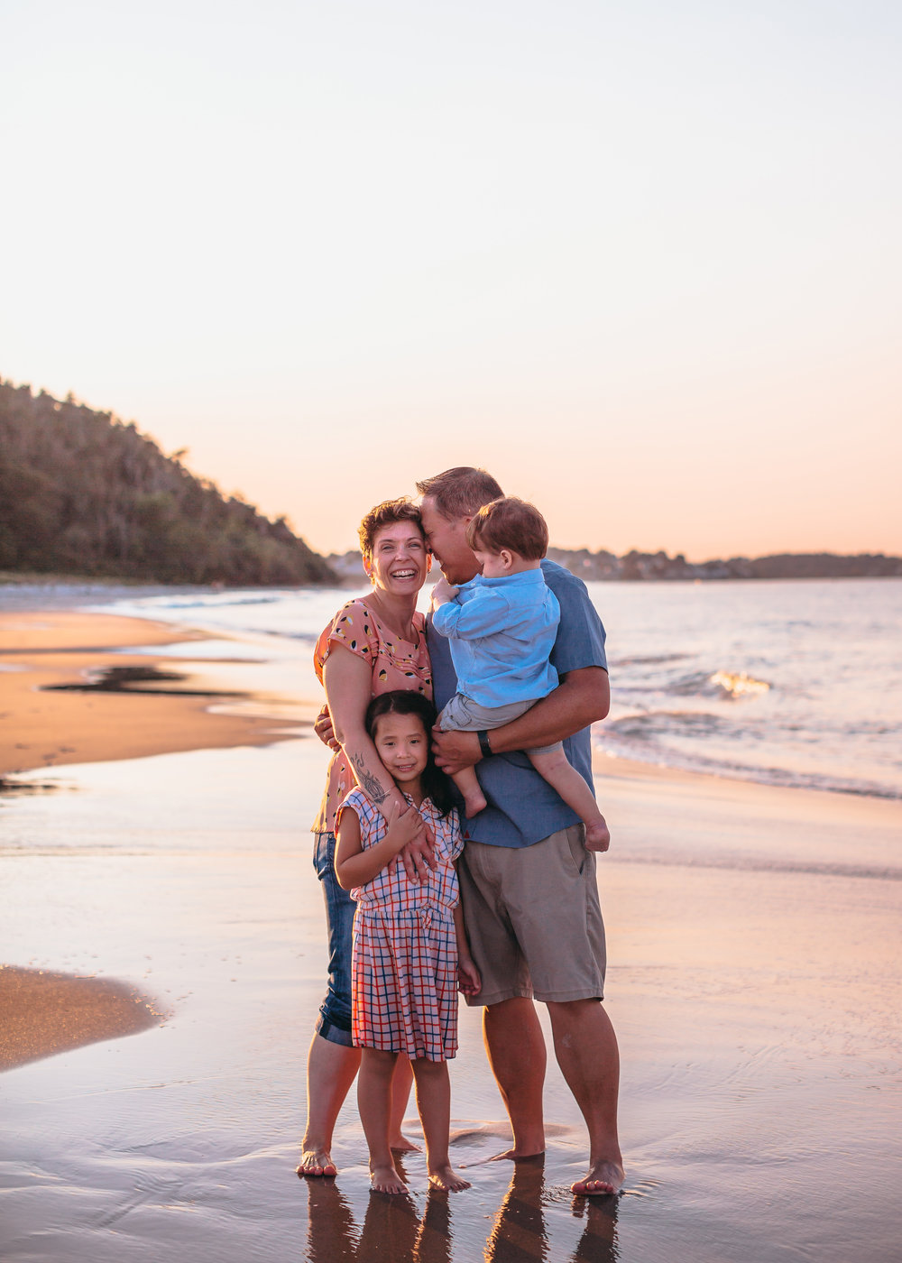 golden-hour-beach-family-photos-boston-family-photographer-joy-leduc.jpg