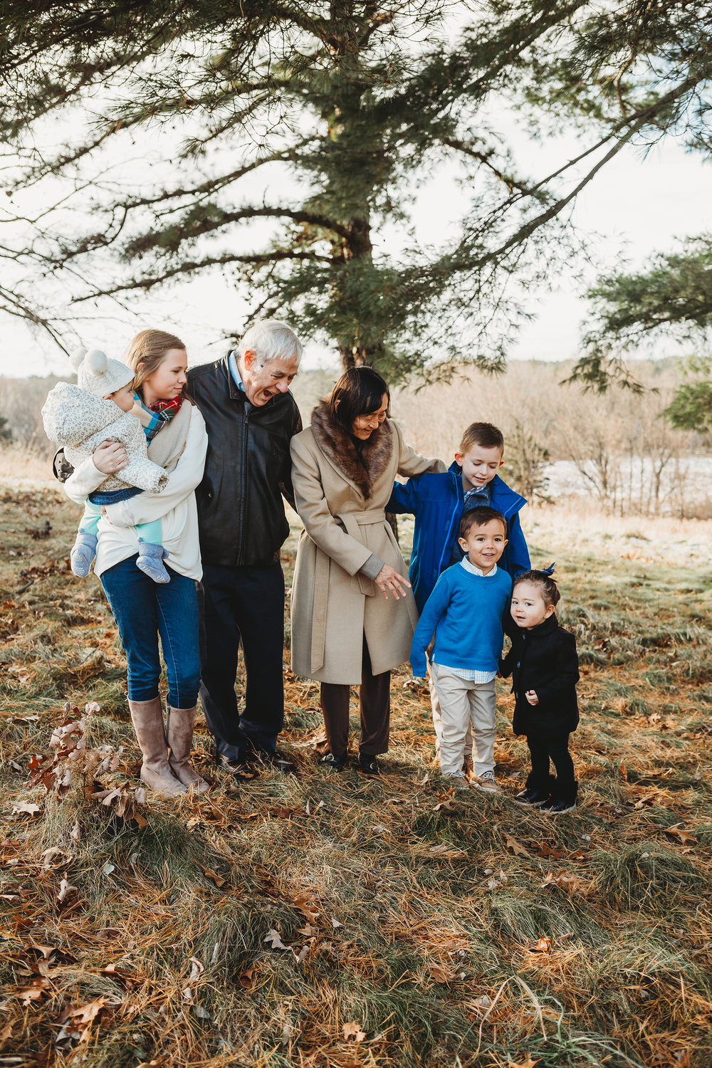extended-family-session-boston-family-photographer-grandparents-grandkids.jpg