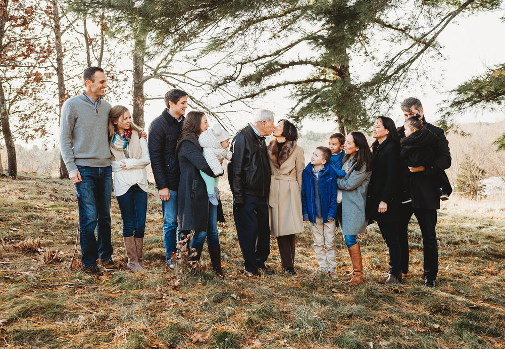 what-is-an-extended-family-session-boston-family-photographer.jpg
