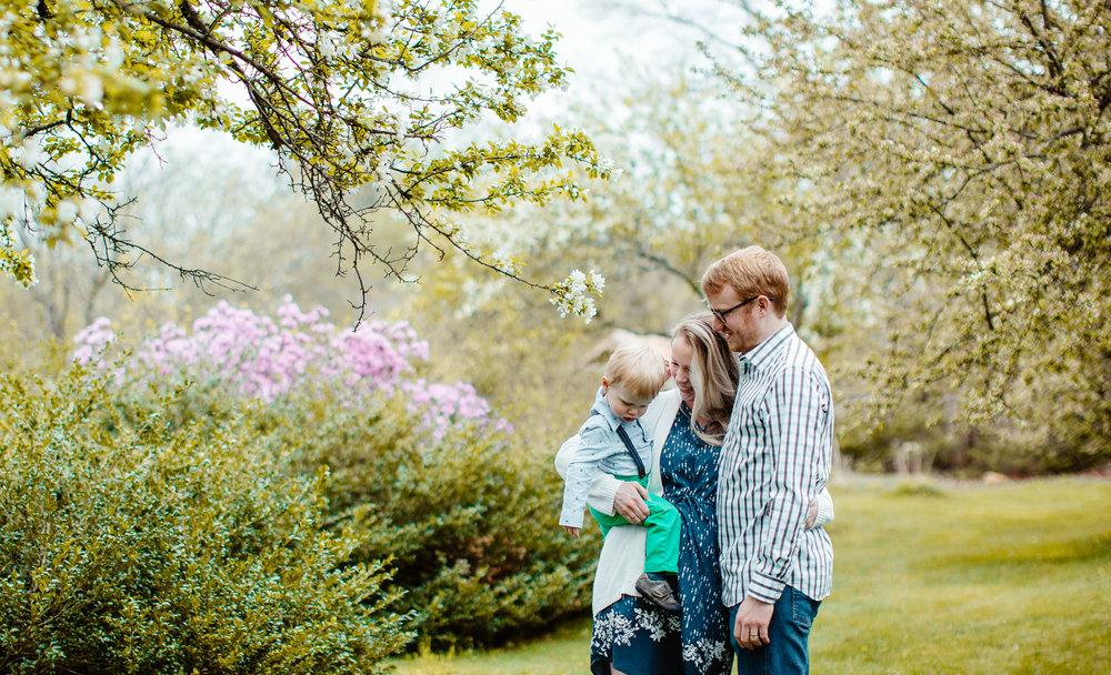springtime-mini-sessions-boston-family-photographer.jpg