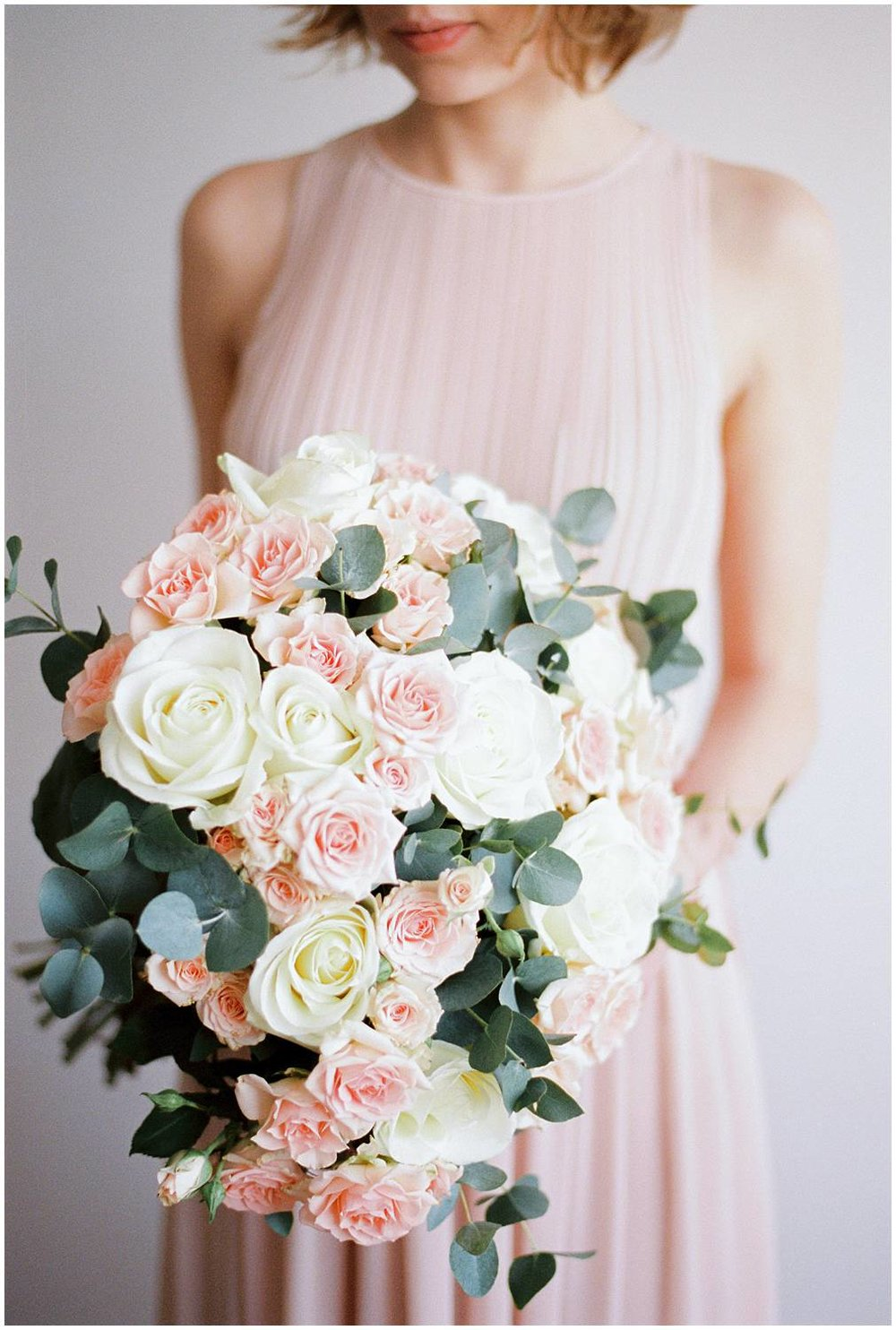 Gorgeous Bouquet from Bergamotte for a bride in Paris