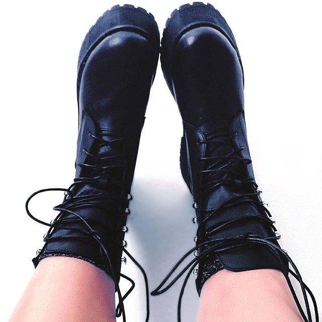 Bring it on Monday. @unif #UNIF #shoesoftheday #shoes #boots #monday #mondaymood