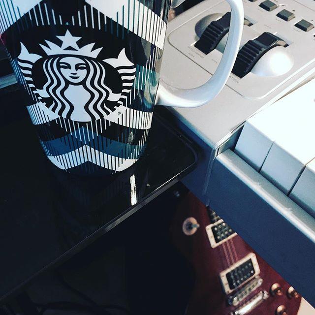 Good Morning! 🙂☕️☀️🎹🎸 #happytuesday #happytuesdayeveryone #goodmorning #coffee #coffeetime #starbucks #writing