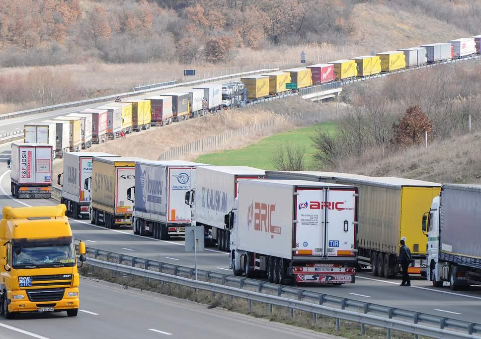 turkey-border-lorries.jpg