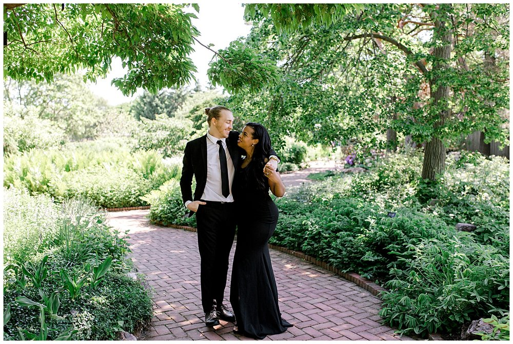 ashley-dahl-photography-chicago-botanic-gardens-engagement-session