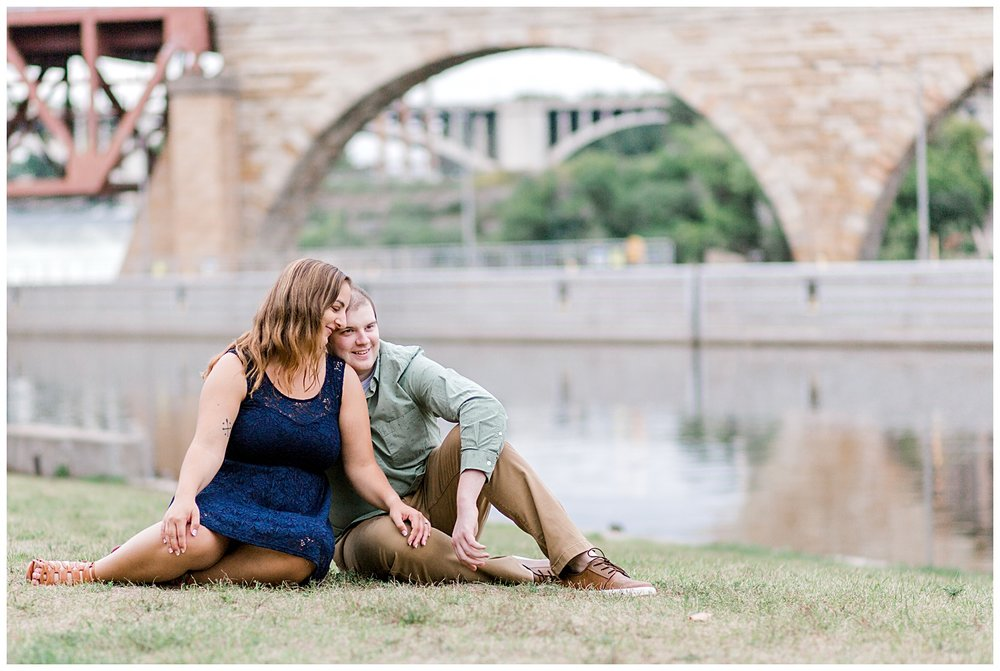 summer-mineapolis-minnesota-stone-arch-bridge-father-hennepin-bluff-park-engagement-session-photo-13.jpg
