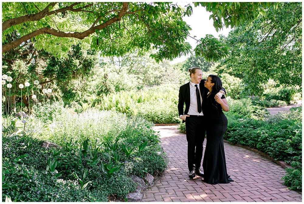spring-chicago-illinois-chicago-botanic-gardens-engagement-session-location-ideas-for-engagement-session-1.jpg