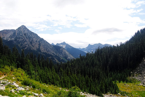 Hike the Maple Pass Loop in Washington's North Cascades