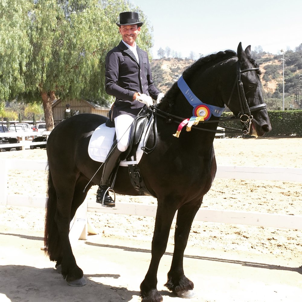 Diemer R.M. - 2009 Friesian gelding schooled through Third Level. 2017 World Champion at Andalusian World Championship. Owned by Amira Ahmed Oliver. See his show history here.