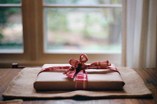 Christmas-gift2.jpg