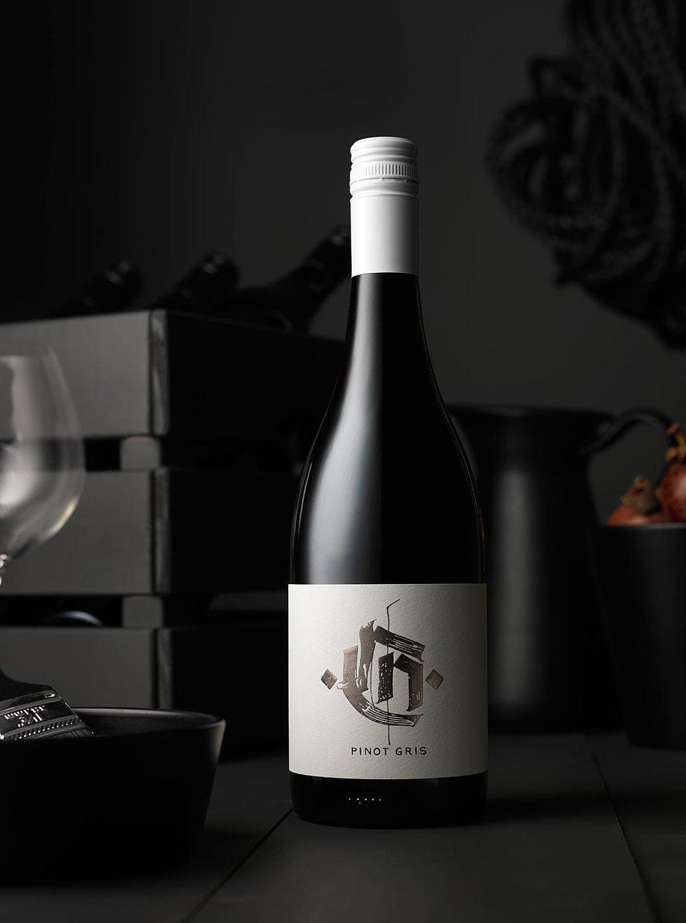 Santolin_wine_bottles_1043_0119.jpg