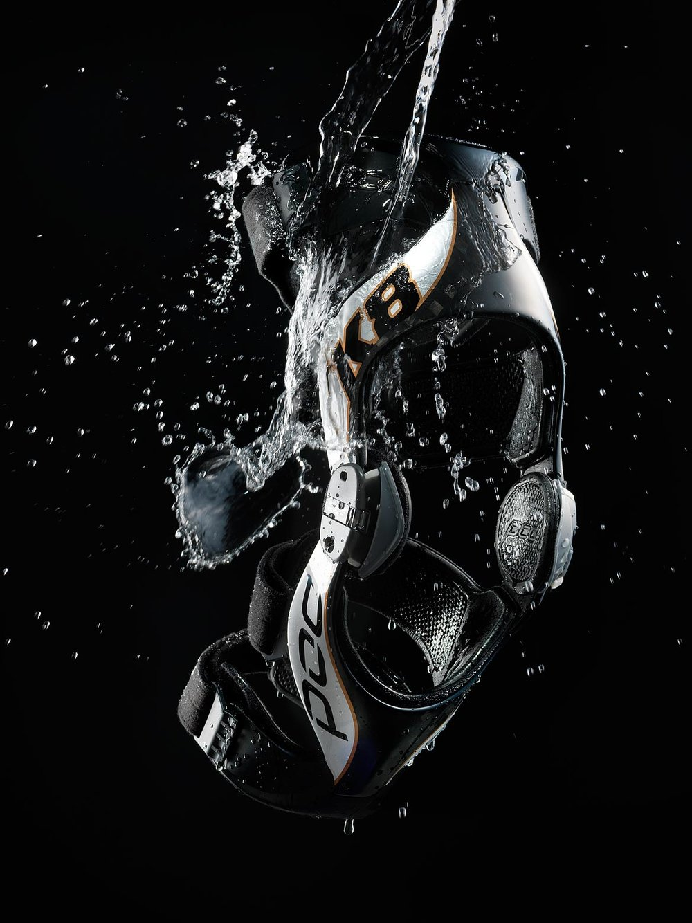 pod-kneebrace-product-advertising-photography_1.jpg