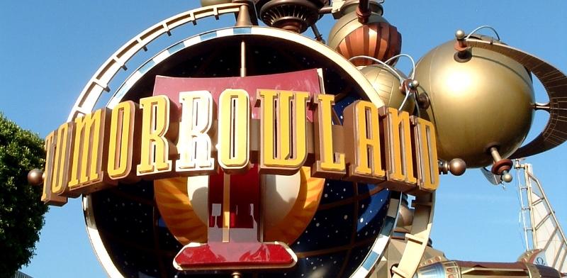 Tomorrowland_Entrance.JPG