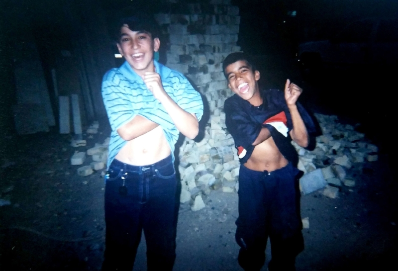 Iraqi kids doing armpit farts