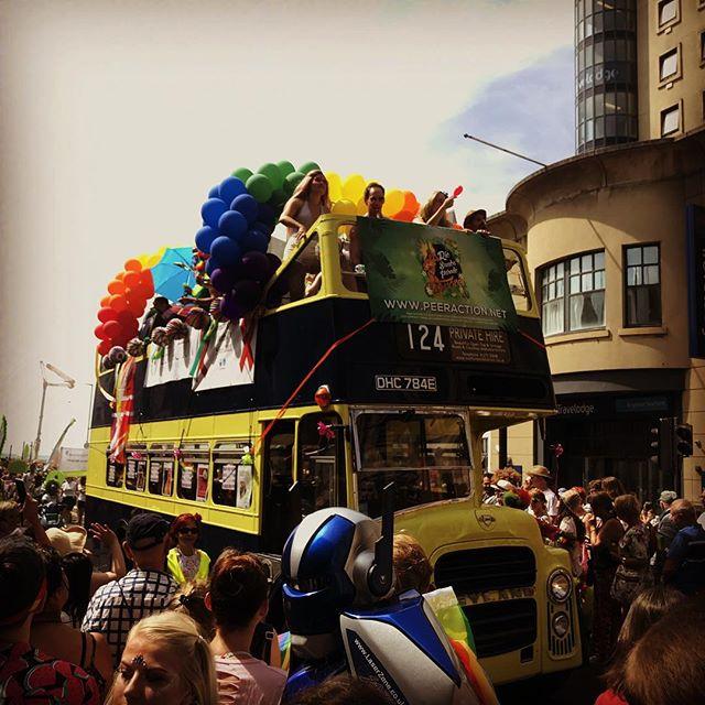 Brighton pride parade!! #pride🌈 #glitterdolls #glitterdollsuk #brightonpride #rainbowglitter #brightonbaby #glitterfest #glitterbaby #glittermad #faceglitter #bodyglitter