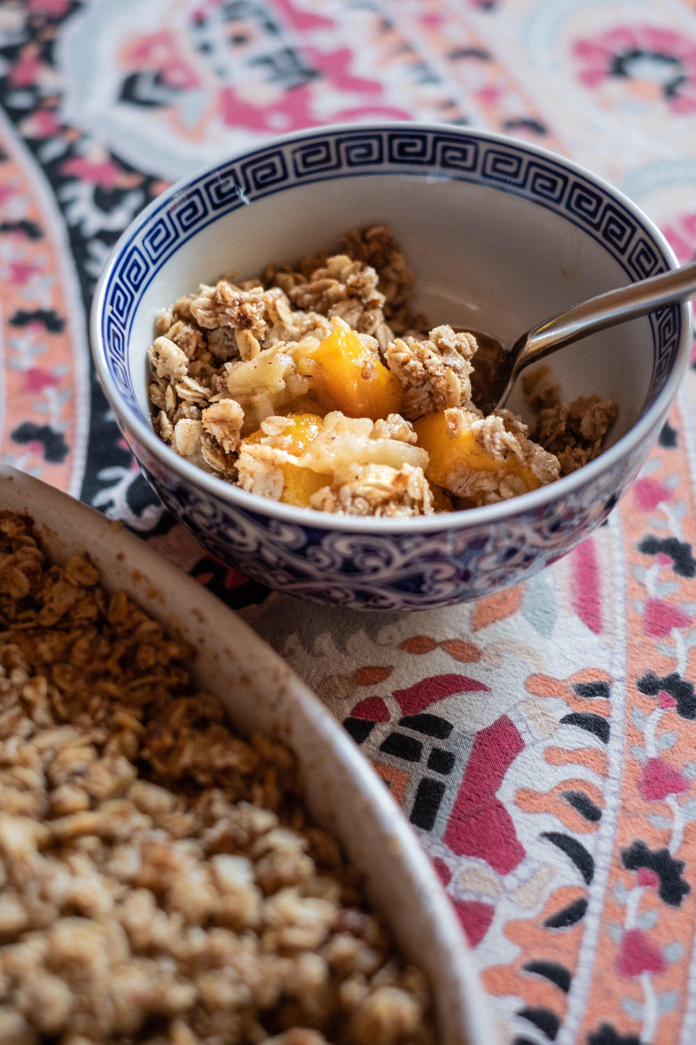 peach-apple crumble, vegan and gluten-free