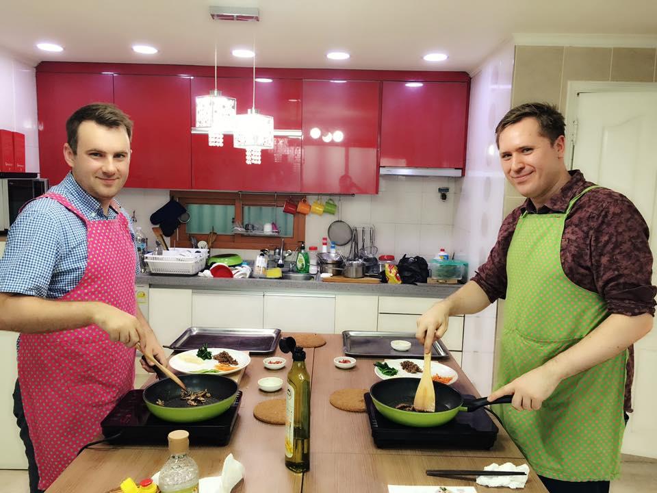 Bibimbap cooking.jpg