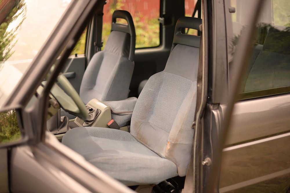 land rover discovery 2 interior