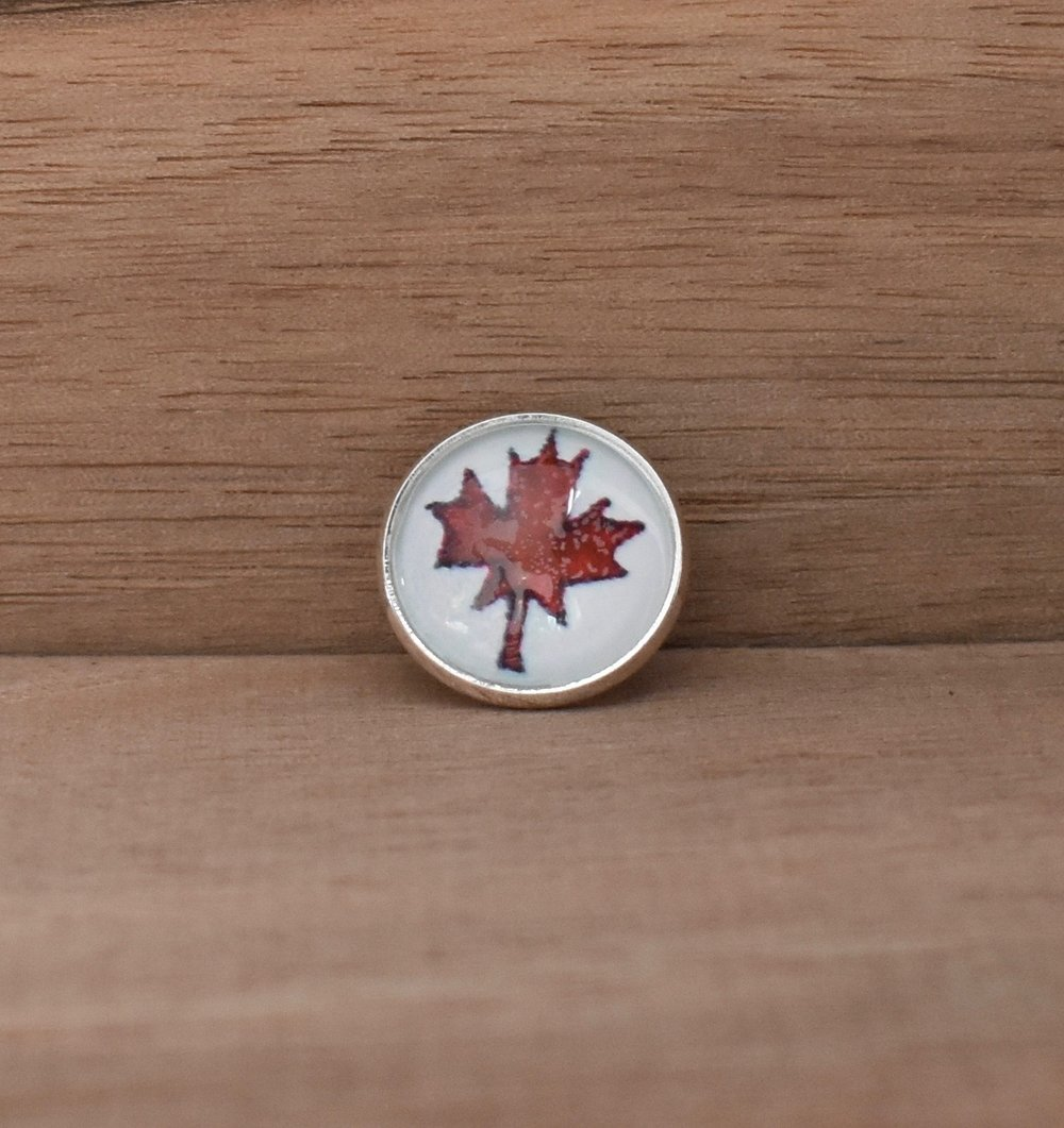 Red Maple Leaf Lapel Pin