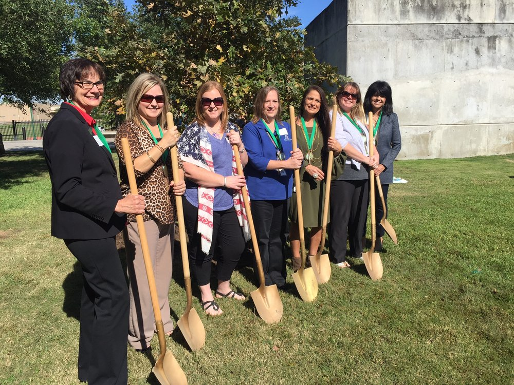 2016 Texas Arbor Day in Heritage Park - Conroe with Woodforest Bank and school district representatives