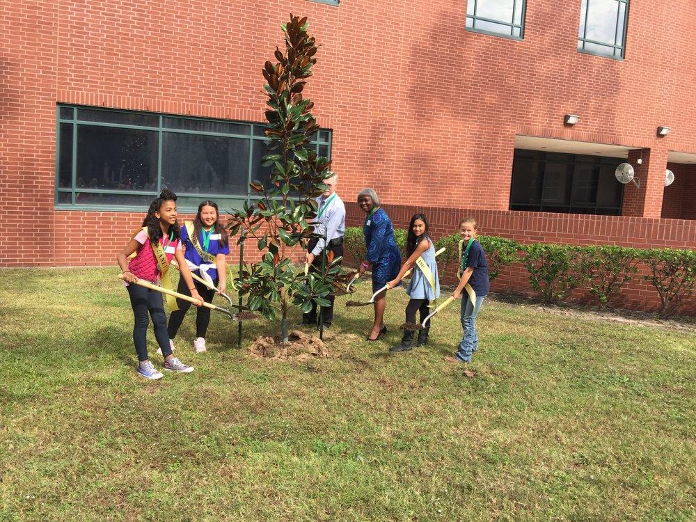 2017 Arbor Day Ambassadors planting Little Gem Magnolias in Maverick Park LSC-M