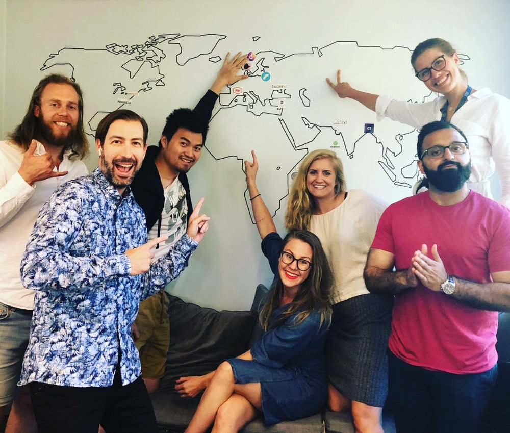 So proud and happy to put op our sticker on the Katapult Startup Map with program manager Nina Heir, operating partner Sean Percival and investment analyst Belawal Khan.
